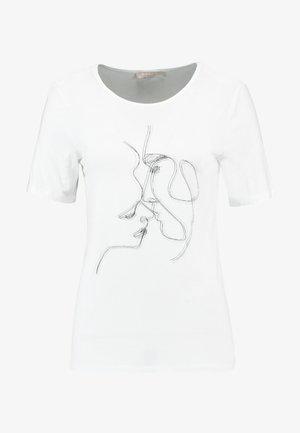 KISSES - T-shirt z nadrukiem - snow white/off white