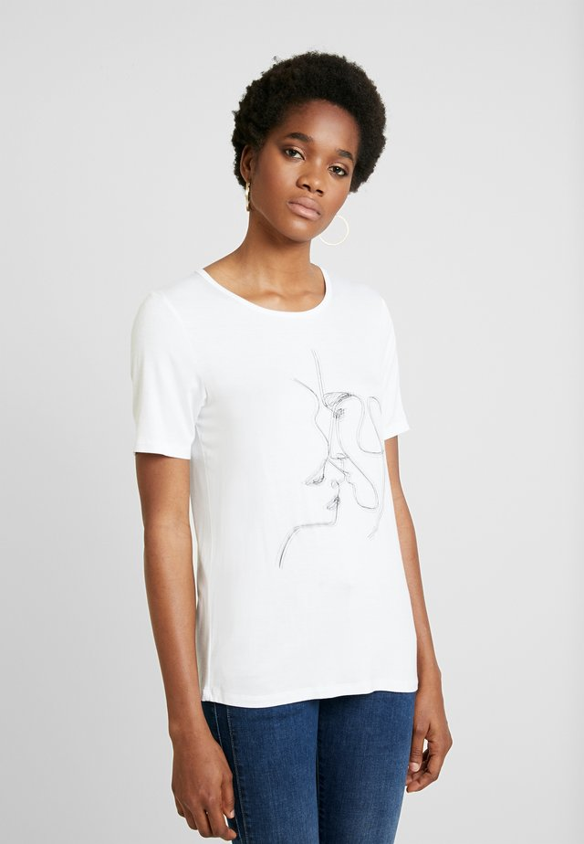 KISSES - T-shirt med print - snow white/off white