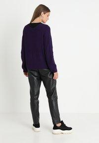 Soft Rebels - MILLE V NECK - Stickad tröja - parachute purple - 2