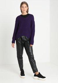 Soft Rebels - MILLE V NECK - Stickad tröja - parachute purple - 1