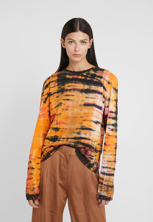 RUBY LONGSLEEVE - Long sleeved top - tie dye dark