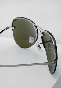 Ray-Ban - Occhiali da sole - gunmetal light green mirror blue - 2
