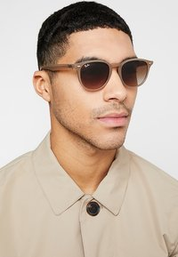 Ray-Ban - Occhiali da sole - light brown - 1