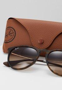 Ray-Ban - ERIKA - Sunglasses - braun - 2