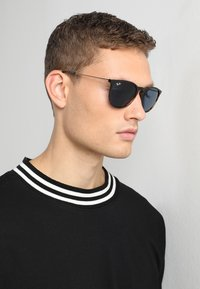 Ray-Ban - Solbriller - brown/blue - 1