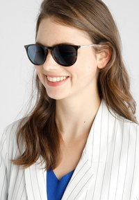 Ray-Ban - Solbriller - brown/blue - 3