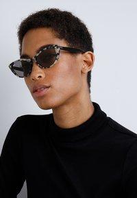 Ray-Ban - Sunglasses - havana beige - 1