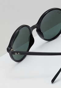 Ray-Ban - Occhiali da sole - black/green - 4
