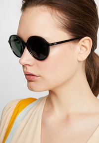 Ray-Ban - Occhiali da sole - black/green - 1