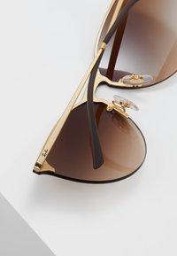 Ray-Ban - Sluneční brýle - brown - 4
