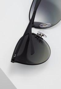 Ray-Ban - Okulary przeciwsłoneczne - black - 4