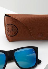 Ray-Ban - JUSTIN - Sunglasses - black/green/mirror blue - 3