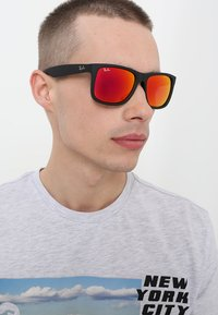 Ray-Ban - JUSTIN - Okulary przeciwsłoneczne - black brown mirror orange - 1