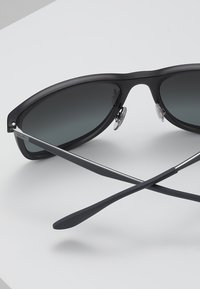 Ray-Ban - Sunglasses - matte trasparent grey - 4