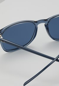 Ray-Ban - Solglasögon - trasparent blue