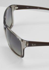 Ray-Ban - Okulary przeciwsłoneczne - trasparent/grey - 2