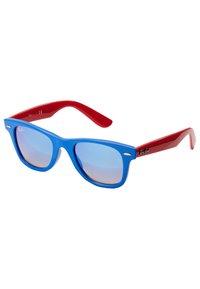 Ray-Ban - JUNIOR WAYFARER - Okulary przeciwsłoneczne - blue/red - 3