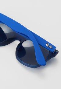 Ray-Ban - JUNIOR SQUARE - Occhiali da sole - blue - 2