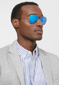 Ray-Ban - ROUND - Gafas de sol - gold-coloured/blue - 1