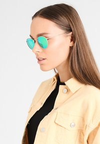 Ray-Ban - ROUND - Solbriller - gold - 1