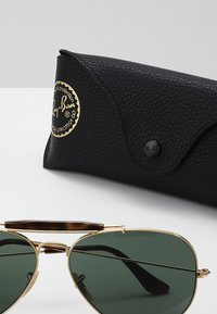 Ray-Ban - OUTDOORSMAN II - Solbriller - gold/dark green - 2