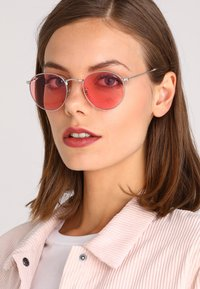 Ray-Ban - ROUND METAL - Sunglasses - silver-coloured - 4