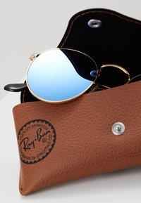 Ray-Ban - Sluneční brýle - light blue flash - 3