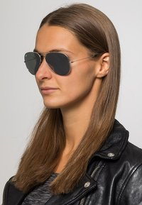 Ray-Ban - AVIATOR - Occhiali da sole - silver-coloured - 1