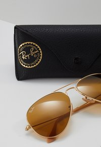 Ray-Ban - AVIATOR - Solbriller - gold-coloured/photo brown - 3