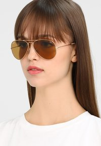 Ray-Ban - AVIATOR - Solbriller - gold-coloured/photo brown - 4