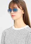 Ray-Ban - AVIATOR - Sonnenbrille - gold crystal gradient light blue