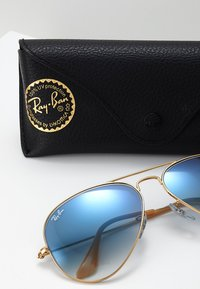 Ray-Ban - AVIATOR - Sunglasses - gold crystal gradient light blue - 3