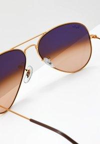 Ray-Ban - AVIATOR - Occhiali da sole - bronze/copper pink gradient brown - 2