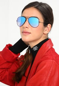 Ray-Ban - AVIATOR - Solbriller - mirror gradient blue - 4