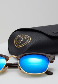 Ray-Ban - CLUBMASTER - Sunglasses - brown/blue - 3