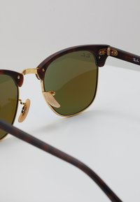 Ray-Ban - CLUBMASTER - Sunglasses - brown/blue - 2