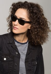 Ray-Ban - Okulary przeciwsłoneczne - schwarz - 0