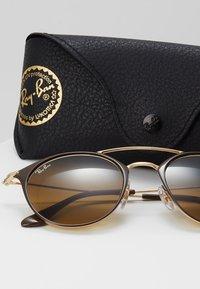 Ray-Ban - Sluneční brýle - brown - 2
