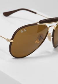 Ray-Ban - AVIATOR - Sunglasses - gold - 3