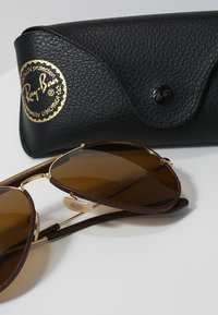 Ray-Ban - AVIATOR - Sunglasses - gold - 2