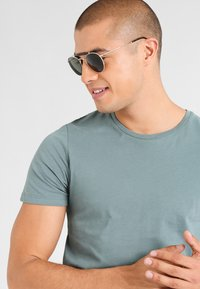Ray-Ban - Solbriller - gold-coloured - 0