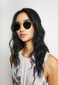 Ray-Ban - Okulary przeciwsłoneczne - gold-coloured - 3