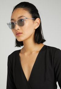 Ray-Ban - METEOR - Sunglasses - trasparent - 3