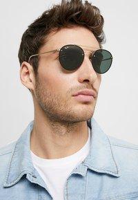 Ray-Ban - Sunglasses - demi gloss gold-coloured - 1