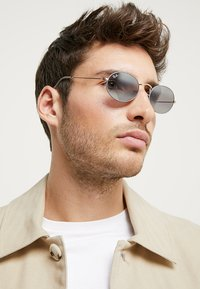 Ray-Ban - Sonnenbrille - gold-coloured/matte grey - 1