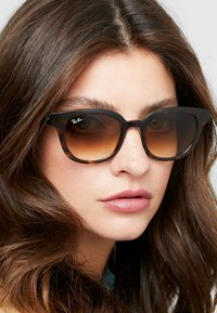 Ray-Ban - Sunglasses - brown - 3