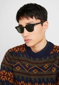 Ray-Ban - Sunglasses - black/green - 1