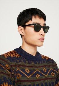 Ray-Ban - Sluneční brýle - black/green - 1