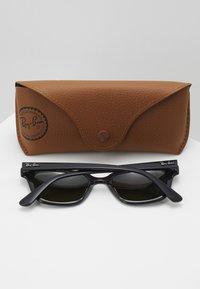 Ray-Ban - Sluneční brýle - black/green - 2