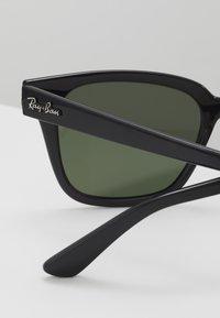 Ray-Ban - Sluneční brýle - black/green - 5